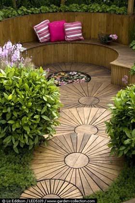 Small courtyard garden composed of circles