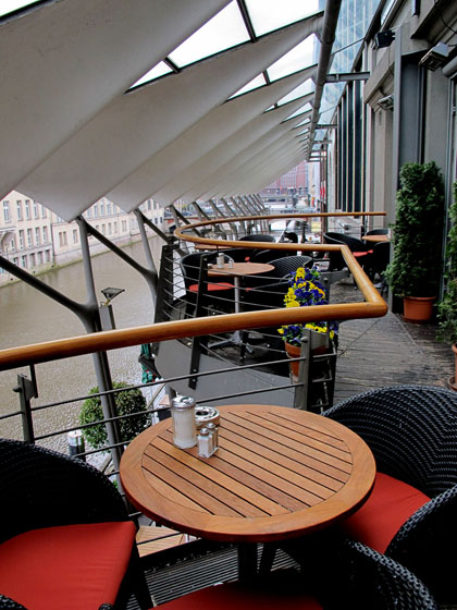 hamburg-cafe-patio