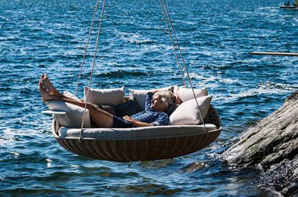 swingrest-hanging-lounger-from-dedon-5-thumb-630x415-9922