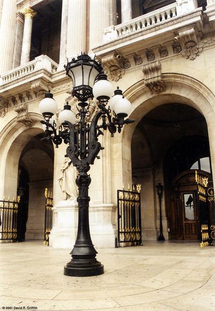 11-08-lamp-post-paris-opera