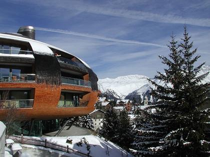 800px-Foster_St_Moritz