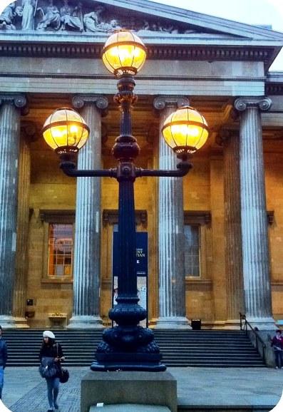 Lamp_Post_British_Museum_London_1