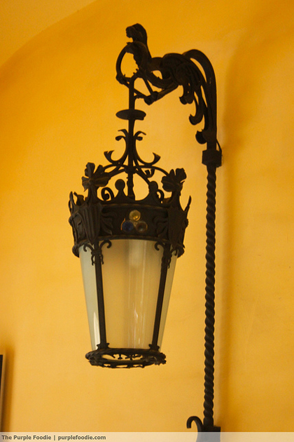 barcelona-lamp-post