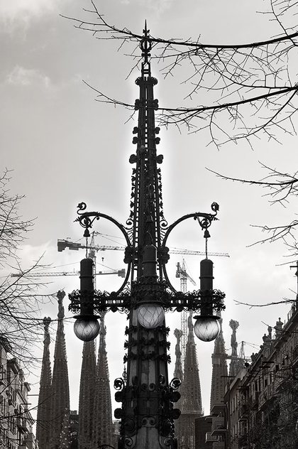 modernist-lamp-post-pere-falques-ba (1)
