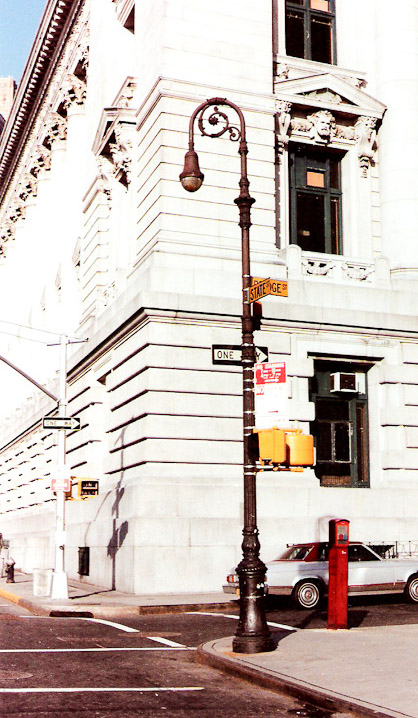old_new_york_lamppost-2