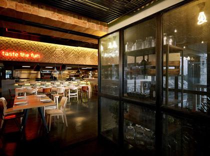 BarQue-restaurant-by-K-studio-Athens-03