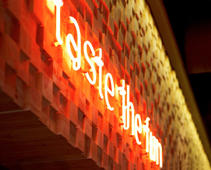 BarQue-restaurant-by-K-studio-Athens-09