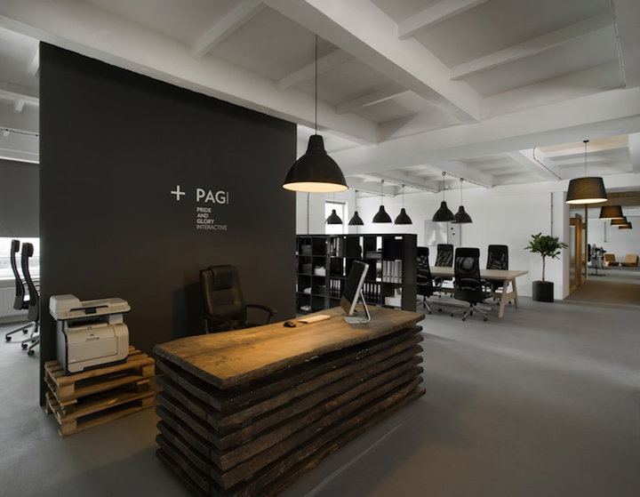 Pride-And-Glory-Interactive-office-Morpho-Studio-Krakow