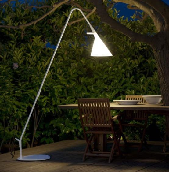 An-Outdoor-lamp-Furniture-for-Romantic-Dinner-1