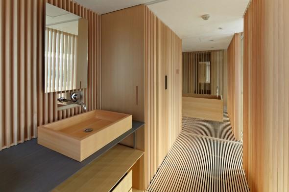 Kyoto-Kokusai-Hotel-Wooden-bathroom-design