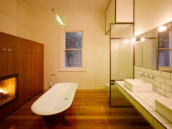 Modern-Wood-Houses-bathroom